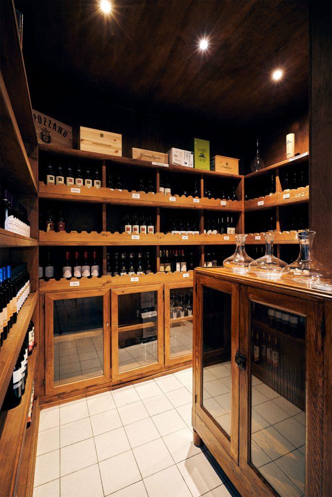 cantina del ristorante L'Ibisco, ristorante ad Ameglia